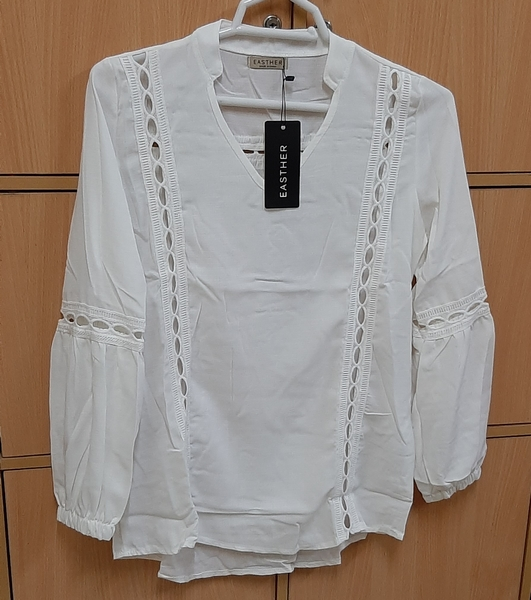 Used Full sleeve blouse for her, M in Dubai, UAE