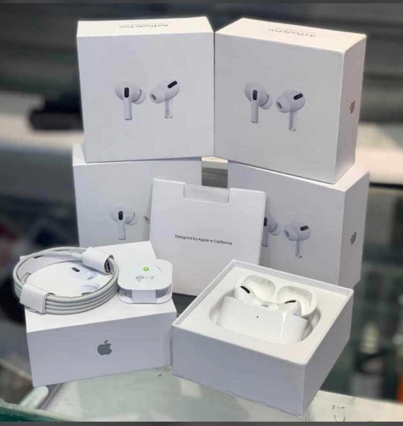 Used APPLE AIRPODS PRO WIRELESS DEAL❤️✌🏻 in Dubai, UAE