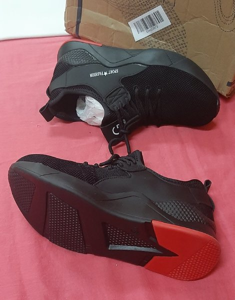 Used Heavy duty sneakers, 37 size in Dubai, UAE