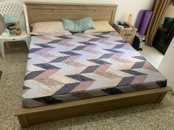 Used King Size Bed only.. No mattress in Dubai, UAE