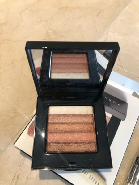 Used Bobbi Brown bronzer set new in Dubai, UAE