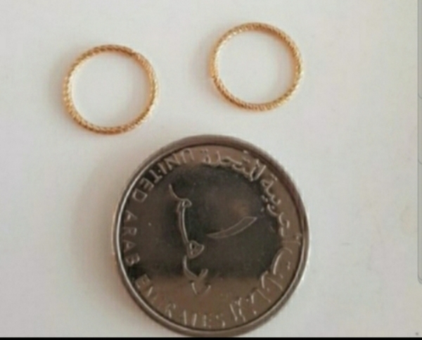 Used New 10karat real gold earring not plated in Dubai, UAE