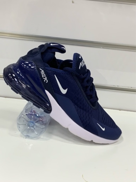 Used Nike Airmax 270 navy blue size 43 in Dubai, UAE