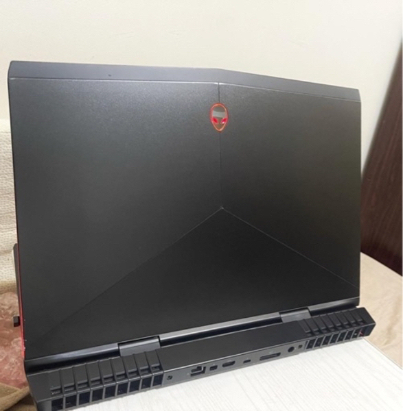 Used Alienware 17 R5 i7 8750H in Dubai, UAE