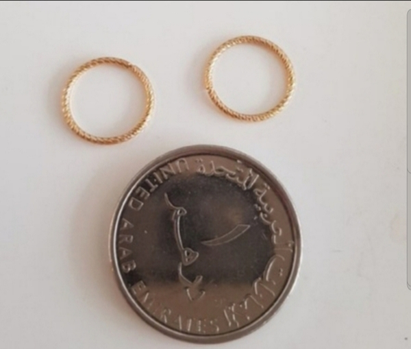 Used Real 10karat gold not plated new earring in Dubai, UAE