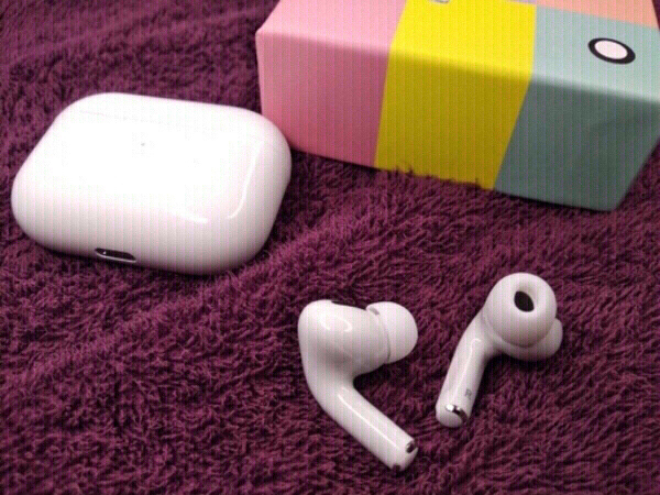 Used New Airpods Pro Macaron Edition 1.0 in Dubai, UAE