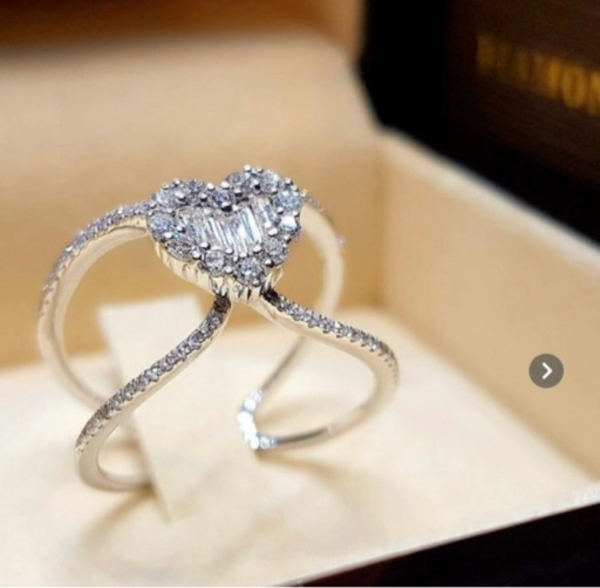 Used heart shaped ring, sizes from 5-11 in Dubai, UAE