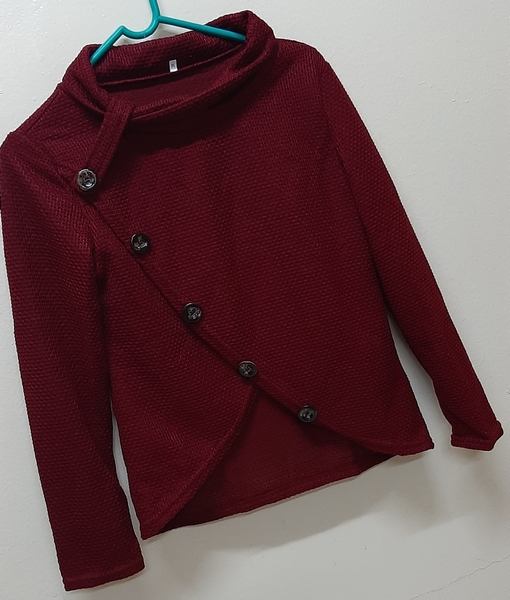 Used Maroon sweater for her, M size in Dubai, UAE
