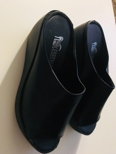 Used casual shoes for women in Dubai, UAE