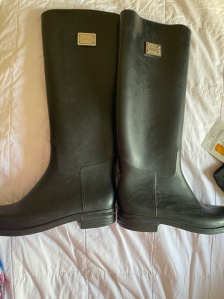Used Guess long boots in Dubai, UAE
