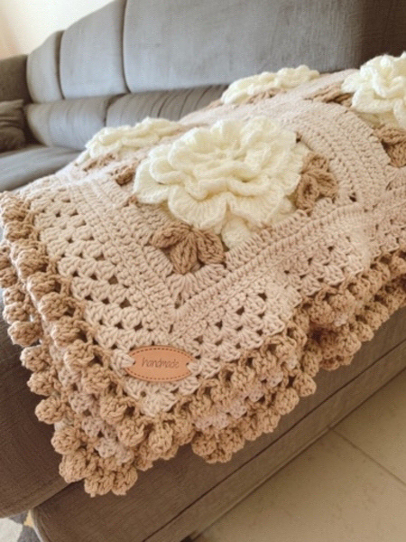 Used blanket with flowers in Dubai, UAE