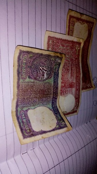 Used Indian currency notes oldest.. in Dubai, UAE