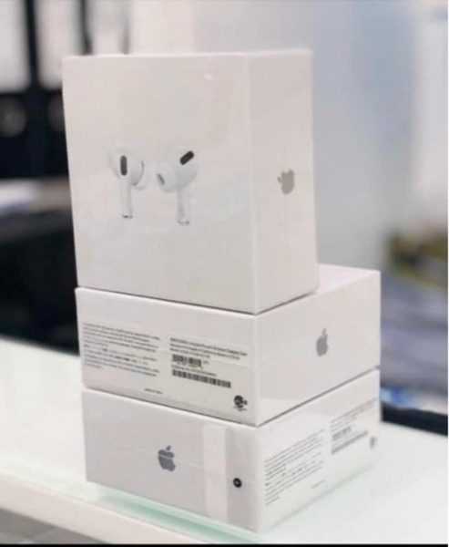 Used Apple AirPod pro For android iPhone copy in Dubai, UAE