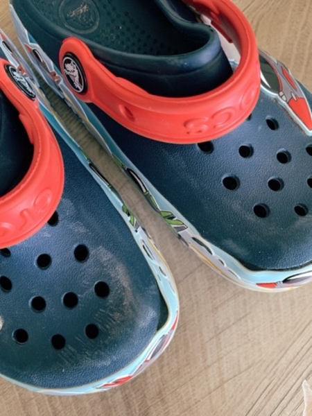Used Crocs shoes size 11 with light effects in Dubai, UAE