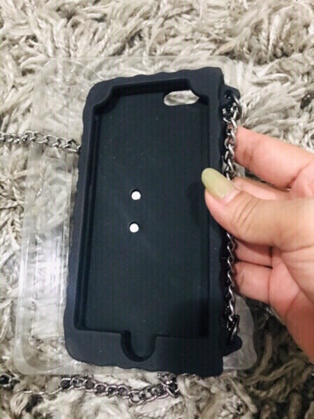 Used Guess Silicone clutch case for iPhone 6 in Dubai, UAE