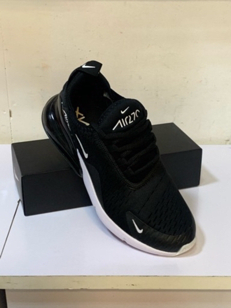 Used Nike Airmax 270 size 42, (36 to 45) in Dubai, UAE