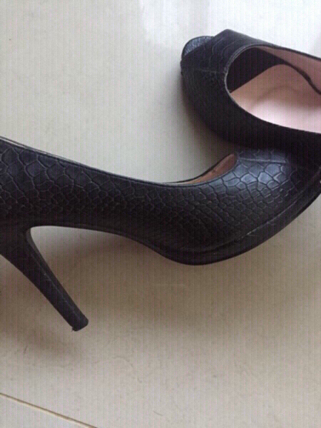 Used original sx crocodile textured heels, 38 in Dubai, UAE