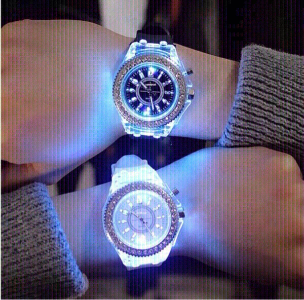 Used Colorful wristwatch ⌚️ (new) in Dubai, UAE