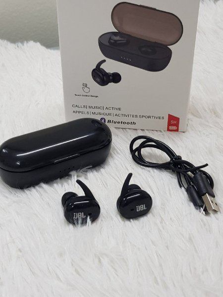 Used JBL Earbuds v best in Dubai, UAE