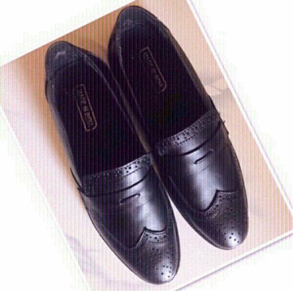 Used Shoes Black for Him size 8 ♥️ in Dubai, UAE