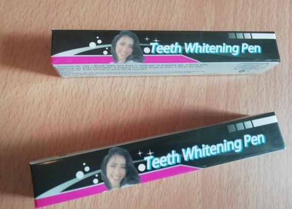 Used Teeth whitening pen 2pcs! in Dubai, UAE