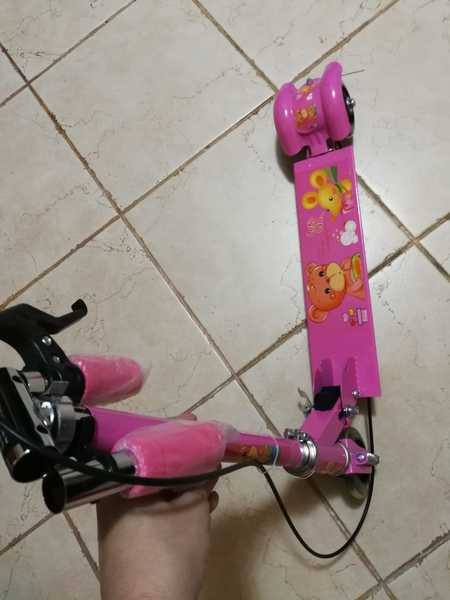Used New pink cute scooter for your kid in Dubai, UAE