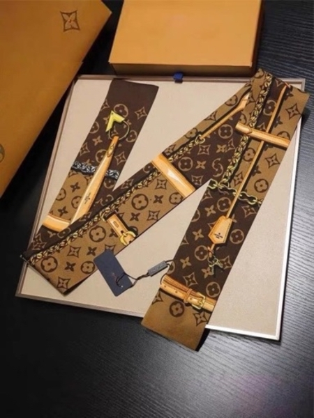 Used LV Silk scarves in Dubai, UAE