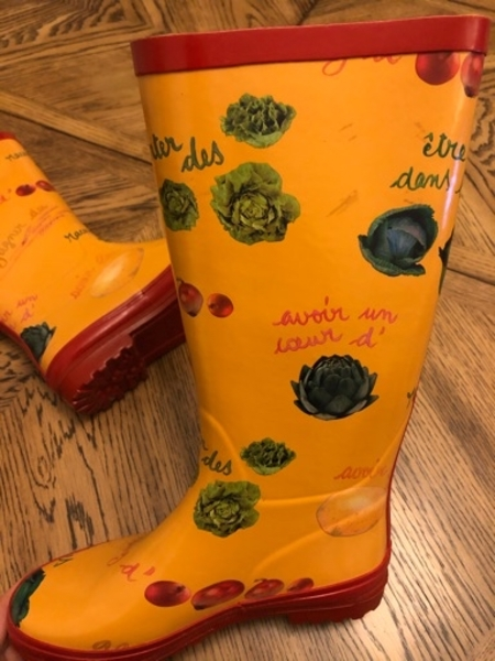 Used French rubber boots in Dubai, UAE