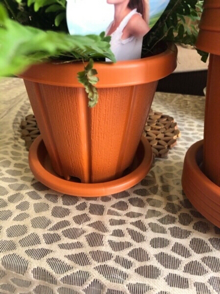 Used Flower pots with tray 6 inch 5 pcs new in Dubai, UAE