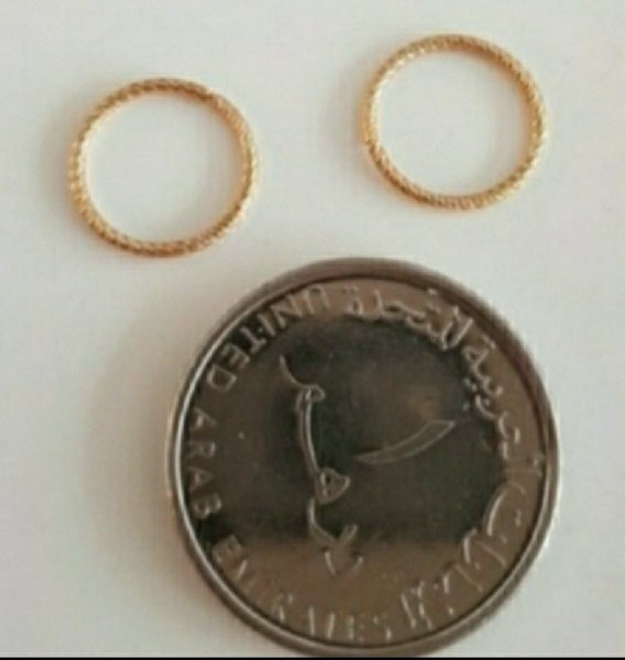 Used New real 10k gold earrings not plated in Dubai, UAE
