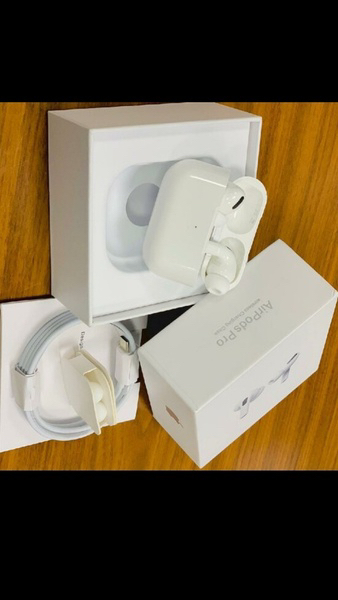 Used BEST EVER DEAL APPLE AIRPODS PRO✅✅👌 in Dubai, UAE