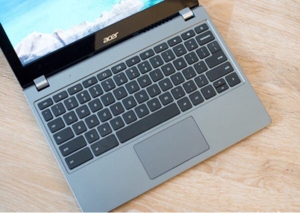Used Acer Chromebook with Playstore 4GB RAM in Dubai, UAE
