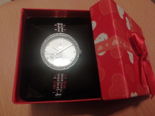 Used Gloria silver stainless watch for her in Dubai, UAE