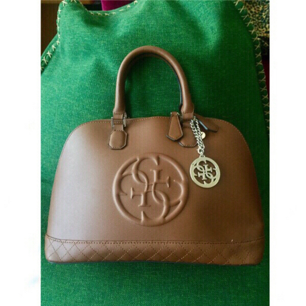 Used authentic GUESS dome bag, new in Dubai, UAE