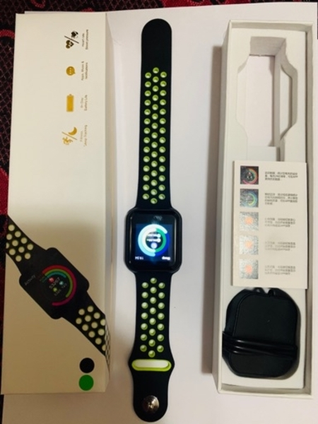Used F8 smart watch with HRS changeable strap in Dubai, UAE