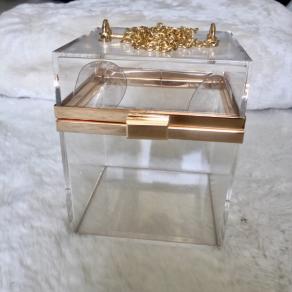 Used Decorative glass box in Dubai, UAE