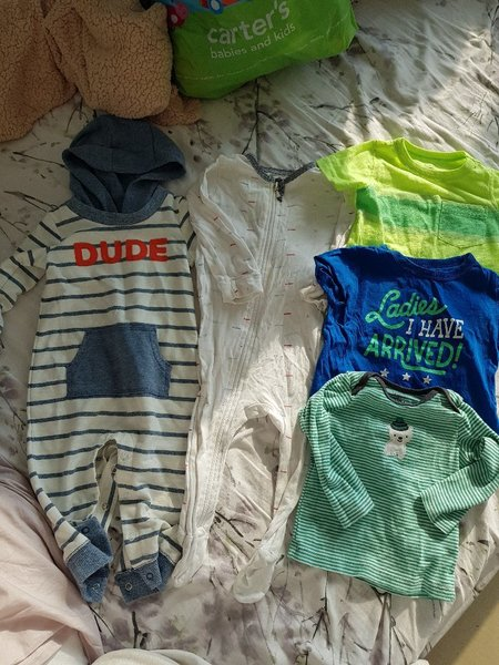 Used Sleepers and tshirts (6-9months) in Dubai, UAE