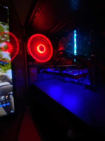 Used Gaming Pc & Gaming Monitor For Sale in Dubai, UAE