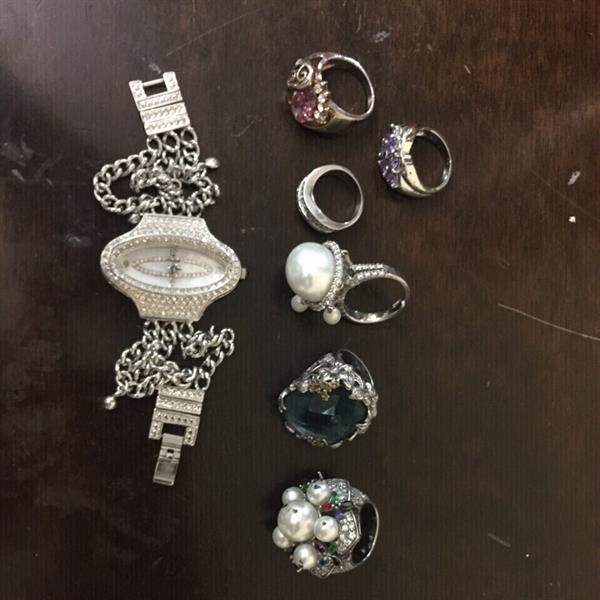 Used Big Offer 6 Silver Rings With Cartier Watch In Excellent Condition And A Good Price in Dubai, UAE