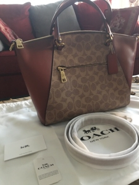 Used Authentic coach bag in Dubai, UAE