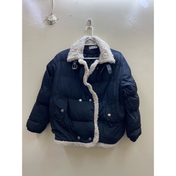 Used Winter fluffy jacket in Dubai, UAE