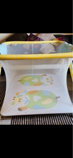 Used Travel cot play grib in Dubai, UAE