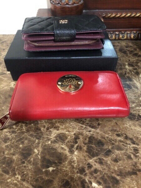 Used Chanel & Mulberry wallets preloved in Dubai, UAE