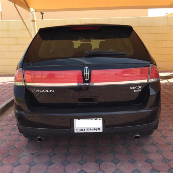 Used Linclon MKX, Full Options, Leather Seats, Sunroof, 5CD Changer, Alarm System, Seat Cooling And Heating Feature in Dubai, UAE