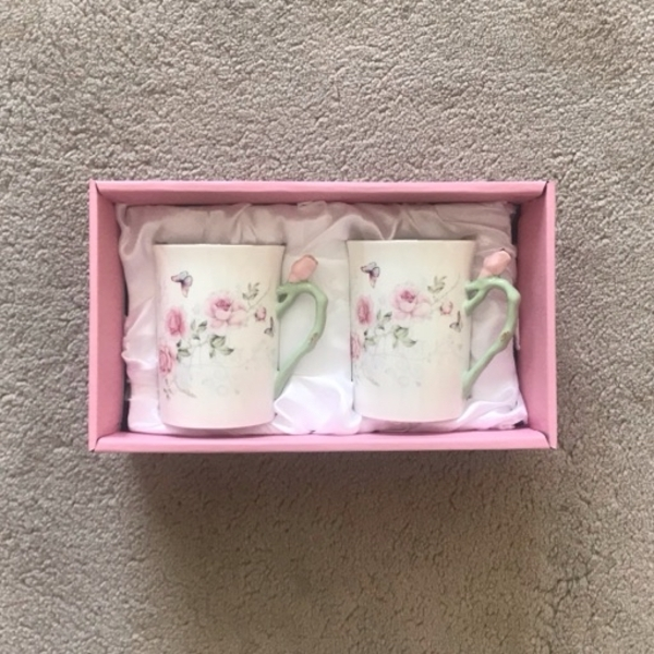 Used Two Floral Cups Gift Set in Dubai, UAE