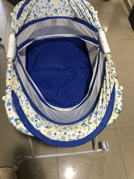 Used Baby cot (baby bed) with mattress in Dubai, UAE