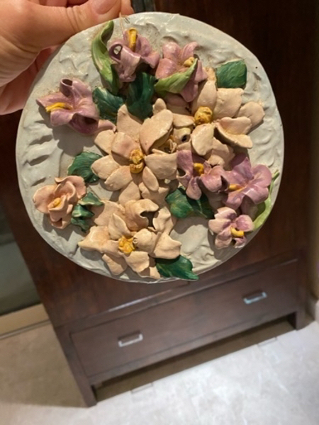 Used Hand made porcelain flowers in Dubai, UAE