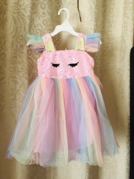 Used Pretty dress for hight 100 cm girl in Dubai, UAE