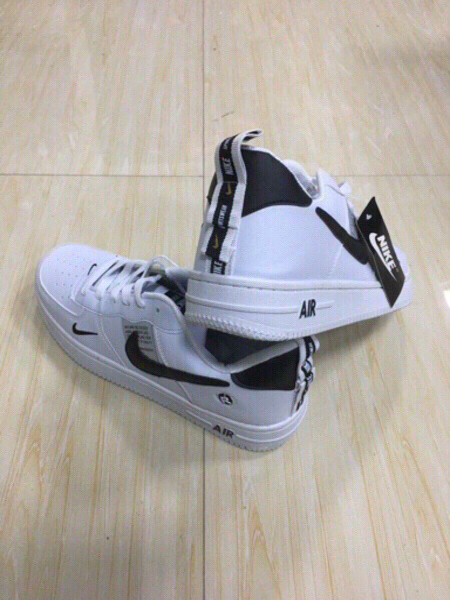 Used Nike Air white low cut 40 size (37-44) in Dubai, UAE