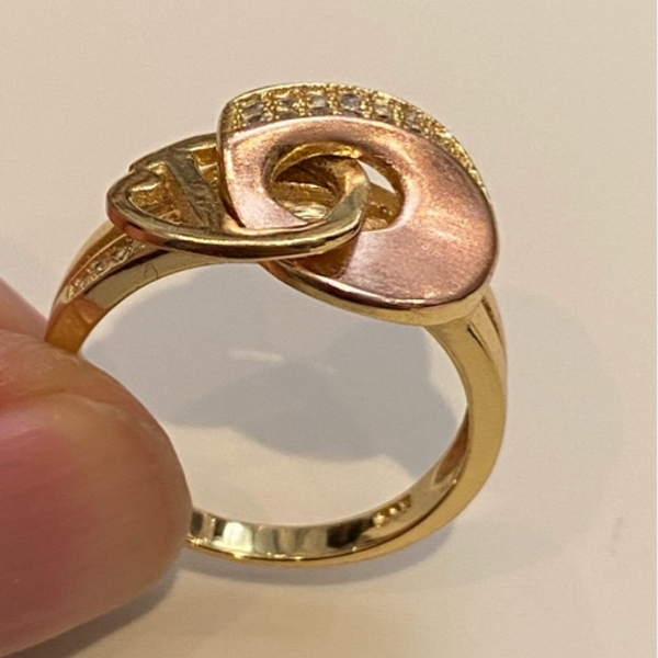 Used 925 Sterling silver gold plated ring 💍 in Dubai, UAE